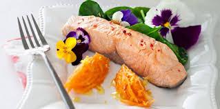 cuisiner un filet de saumon filets de saumon confits facile et pas cher recette sur cuisine