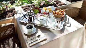 chambre et petit dejeuner petit déjeuner en chambre ou buffet najeti hôtel la magnaneraie