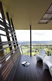 sitzmã bel balkon balkon gestalten sichtschutz sonnenschutz modern holzdielen