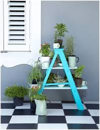 Outdoor Decorating Ideas by 6 Outdoor Decor Ideas With Ladder For Outdoor Garden