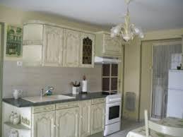 repeindre meuble cuisine rustique peindre meuble cuisine rustique relooker sa cuisine provencale