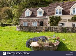 tiny cottages stock photos u0026 tiny cottages stock images alamy
