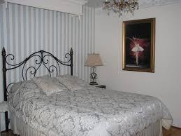 chambre nuit chambre la de nuit gîte la maison sous les arbres