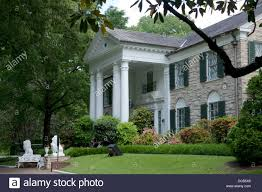 graceland the front at graceland the mansion home of elvis presley in