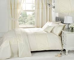 White Bedroom Curtains by Ivory Bedding Sets With Matching Curtains In White Bedroom