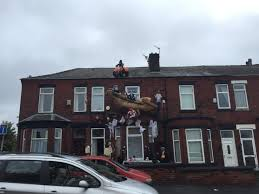 swinton halloween house owners vow u0027we won u0027t quit u0027 after theft of