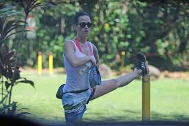 katy perry and orlando bloom hiking in hawaii 28 gotceleb