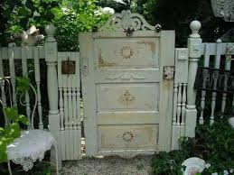 Shabby Garden Decor You Don U0027t Have To Use Ordinary Pickets For A Garden Gate This One