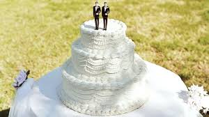 wedding cake bakery judge orders colorado bakery to cater for same weddings abc news