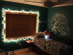 How To Hang Christmas Lights by Best Way To Hang Christmas Lights On Wall Decorating With String