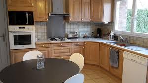 cuisine couleur miel relooking de meubles de cuisine