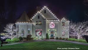 putting up christmas lights business hanging holiday lights can be a very profitable business