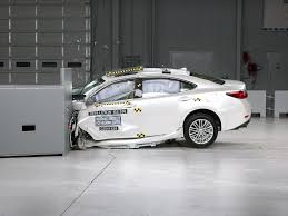 lexus twin turbo accident 2016 volvo xc90 small overlap iihs crash test 2016 volvo xc90