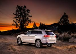 luxury jeep 2016 2017 jeep grand cherokee summit brings hand crafted leather and