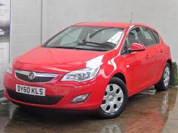 vauxhall red used vauxhall astra hatchback 1 7 cdti ecoflex 16v exclusiv 5dr in