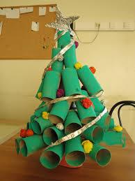 o mundo é dos pequenitos árvores de natal trabalhos feitos