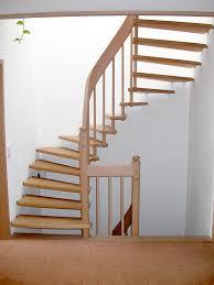 treppen aus holz freitragende treppen mit holz 03 treppenbau becker