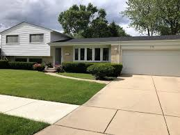 Floor And Decor Arlington Heights Il Homes For Sale In The Greenbrier Subdivision Arlington Heights