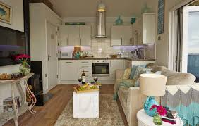 Kitchen Design Cornwall by Cliffside Hideaway On Cornwall U0027s Whitsand Bay Moontide Beach Hut