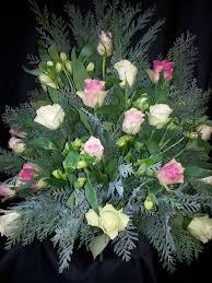 floral grave decoration