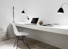 bureau of meter wit houten bureau vit modern en stoer f rn of bureau 2 metres