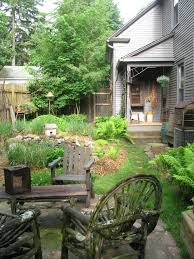 side garden with country accents garden accents pinterest
