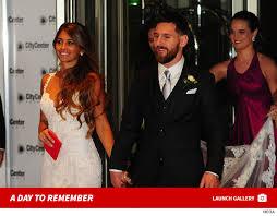 Lionel Messi Halloween Costume Lionel Messi Wedding Marries Longtime Girlfriend Wixtainment