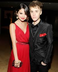 why justin bieber and selena gomez spent thanksgiving apart