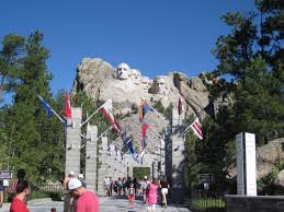 mt rushmore visiting mount rushmore liberty flags the american wave r