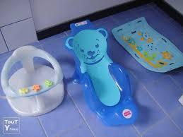 siège de bain pour bébé baignoire de bain bb cheap en revoir baignoire bb bonjour anneau de