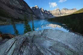 beautiful places on earth one of the most beautiful places on earth moraine lake banff