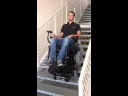 sedie per disabili per scendere scale carrozzina elettrica con cingolo per saliscala