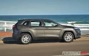 jeep slammed 2014 jeep cherokee sport review video performancedrive