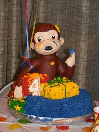 This is an Easy Way to Make Curious George Birthday Cakes for Your