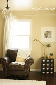 Best  Yellow Family Rooms Ideas On Pinterest Brown Living - Family room wall color