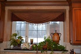 How To Decorate Your Kitchen by How To Decorate Your Kitchen With Tile Draperies And Accessories