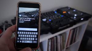 Live Bedroom Cam Stream Dj Sets On Facebook Live Or Periscope With Great Dj Audio