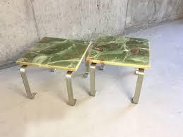 set de table vintage tables vintage vertes avec extrémités en marbre set de 2 en vente
