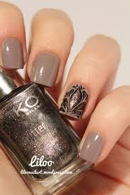 nail polish fall beauty trend metallic nail polish beautiful