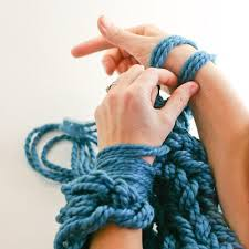an intro guide to arm knitting loveknitting