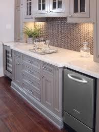 kitchen glass tile backsplash ideas 418 best tile backsplash images on kitchen backsplash