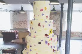 wedding cake nottingham nine nottingham wedding cakes to make you say wow including