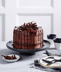 emma knowles creates a chocolate truffle layer cake using lindt
