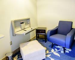 nursing room pittsburgh international airport lactation room