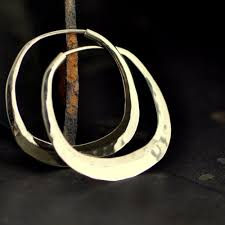 hammered hoops 1 1 4 inch gold hoop earrings small square hoop 14k gold cushion