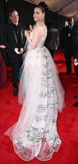 katy perry wedding dress see katy perry s dress at the 2014 grammys carpet