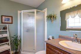 Small Bathroom Paint Colors Photos - 30 fascinating paint colors for bathrooms slodive