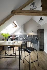 am agement chambre sous combles 33 best studio sous comble déco images on attic spaces