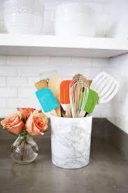 rangement pour ustensiles cuisine rangement mural cuisine et déco personnalisée en 40 idées