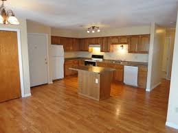 what color walls with light wood floors and oak cabinets 3dqcat84